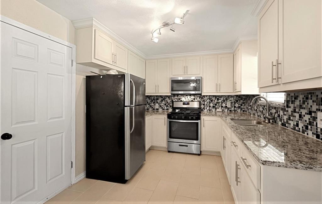 DFW Real Estate | 11237 Trail Lane Balch Springs, Texas 75180 11