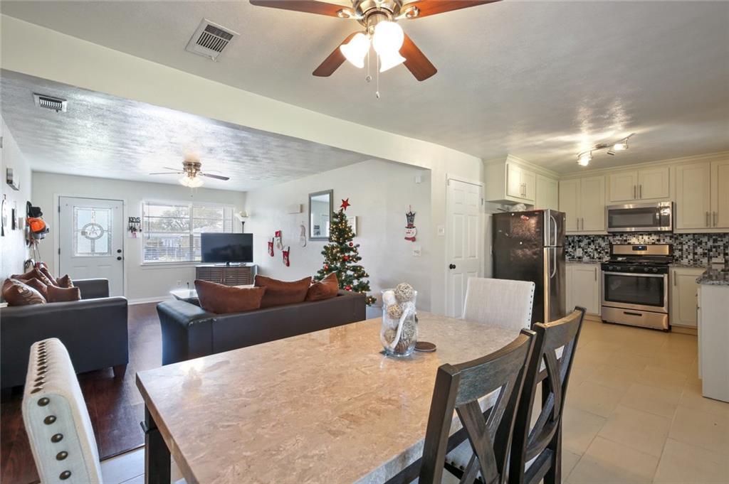 DFW Real Estate | 11237 Trail Lane Balch Springs, Texas 75180 9