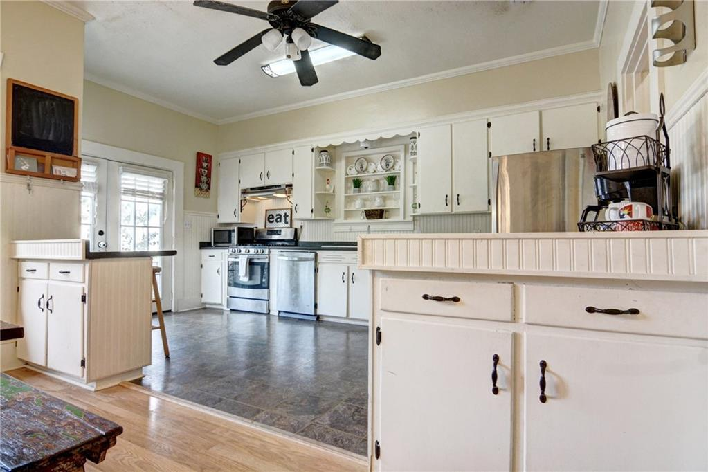 Home for sale La Grange, Fayette County for Sale, Historic Home for Sale, Built in 1929 | 360 N Jackson Street La Grange, TX 78945 16