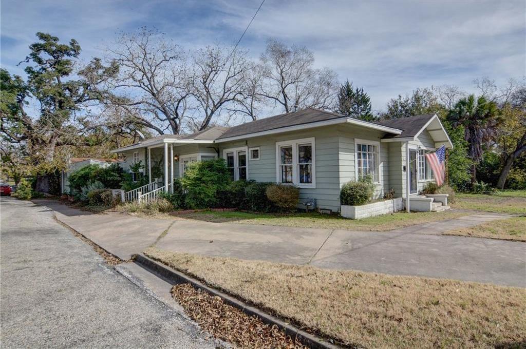 Home for sale La Grange, Fayette County for Sale, Historic Home for Sale, Built in 1929 | 360 N Jackson Street La Grange, TX 78945 4