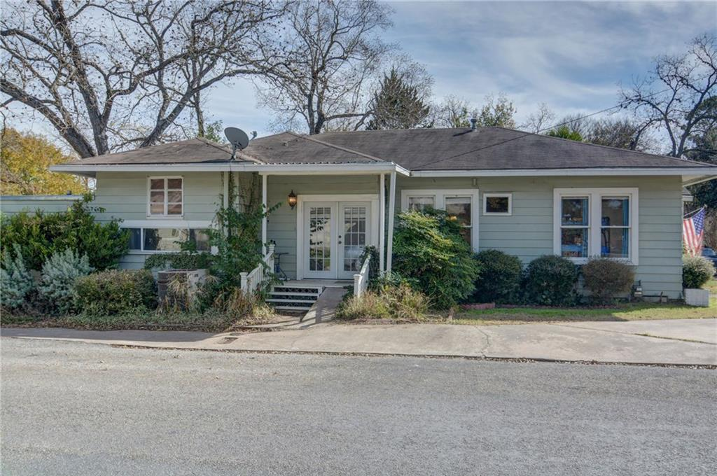 Home for sale La Grange, Fayette County for Sale, Historic Home for Sale, Built in 1929 | 360 N Jackson Street La Grange, TX 78945 5