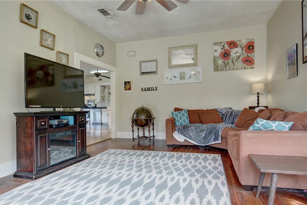 Home for sale La Grange, Fayette County for Sale, Historic Home for Sale, Built in 1929 | 360 N Jackson Street La Grange, TX 78945 8