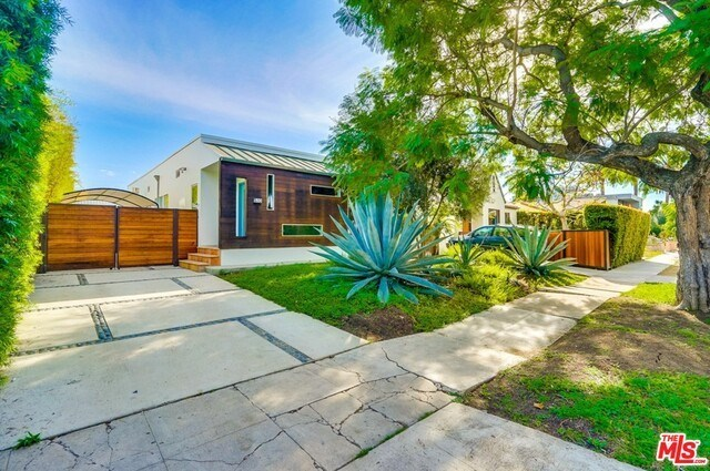 Closed   530 N MARTEL  Avenue Los Angeles, CA 90036 3