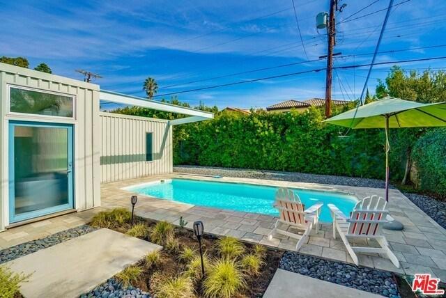 Closed   530 N MARTEL  Avenue Los Angeles, CA 90036 36