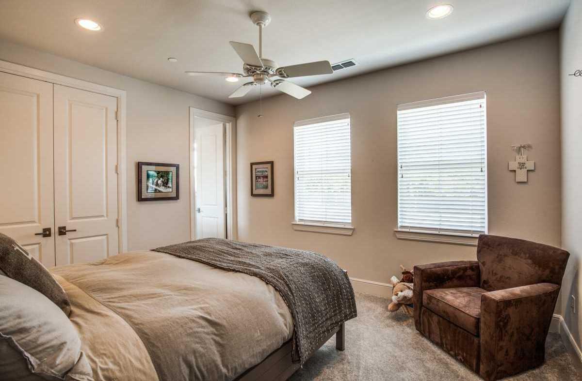 Leased | 7700 Eastern Avenue #501 Dallas, Texas 75209 4