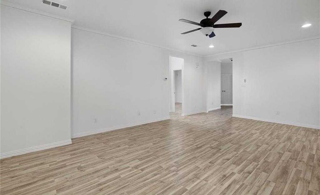 Sold Property | 217 Macarthur Boulevard Grand Prairie, Texas 75050 12