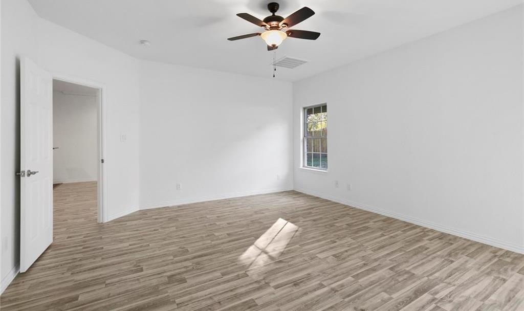 Sold Property | 217 Macarthur Boulevard Grand Prairie, Texas 75050 14