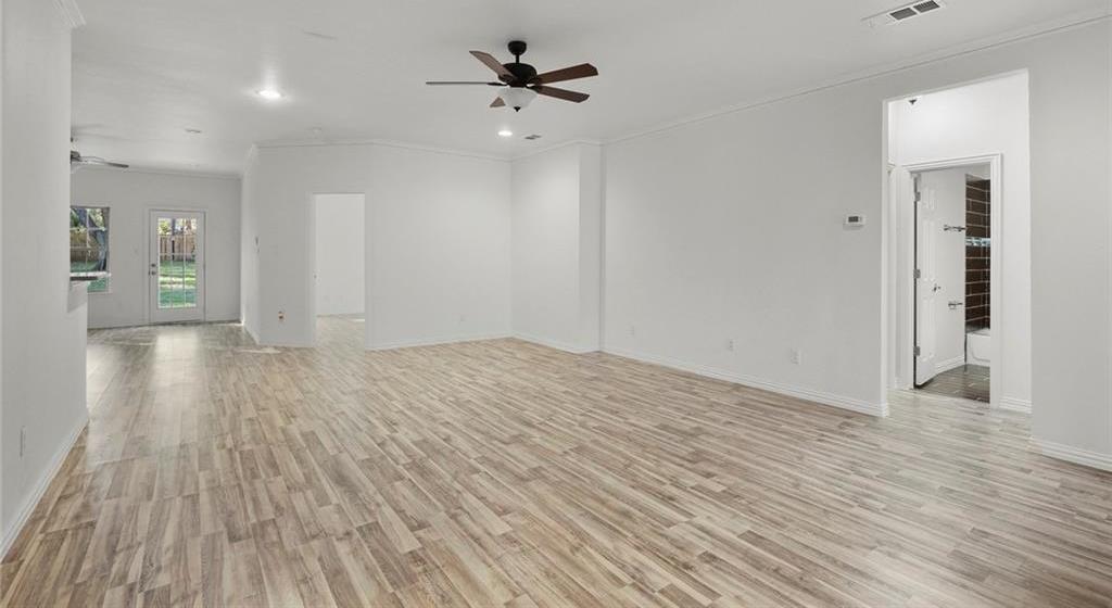 Sold Property | 217 Macarthur Boulevard Grand Prairie, Texas 75050 4