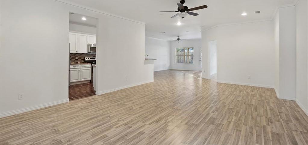 Sold Property | 217 Macarthur Boulevard Grand Prairie, Texas 75050 5