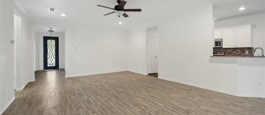 Sold Property | 217 Macarthur Boulevard Grand Prairie, Texas 75050 6