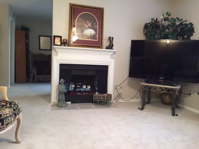 Housed Real Estate + Relocation  | 5300N Keller Springs  Road #1056N Dallas, TX 75248 22