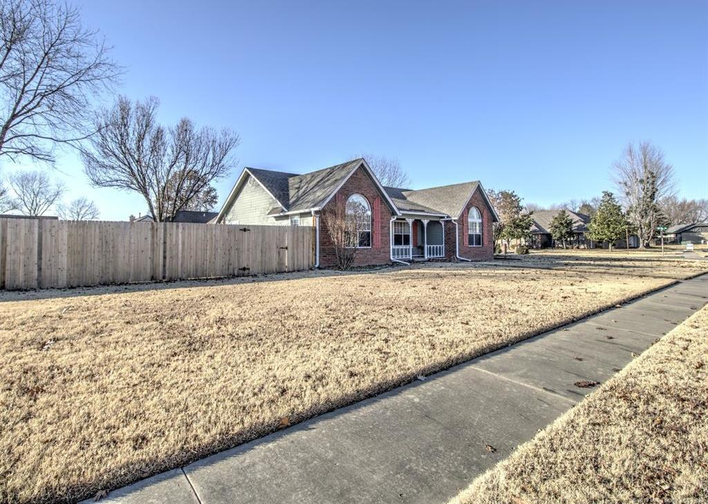 Off Market | 1804 S Oklahoma Street Pryor, Oklahoma 74361 4