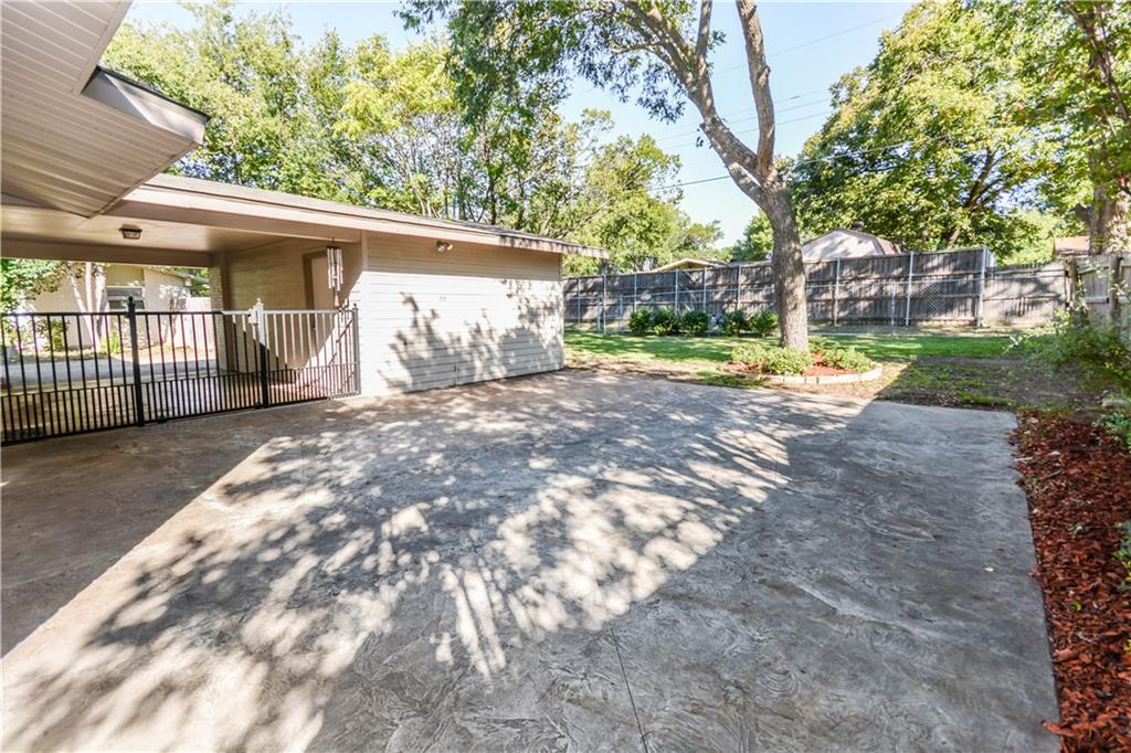 Housed Real Estate + Relocation  | 910 Warfield  Way Richardson, TX 75080 26