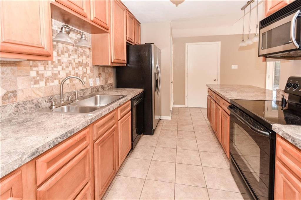 Housed Real Estate + Relocation  | 910 Warfield  Way Richardson, TX 75080 11