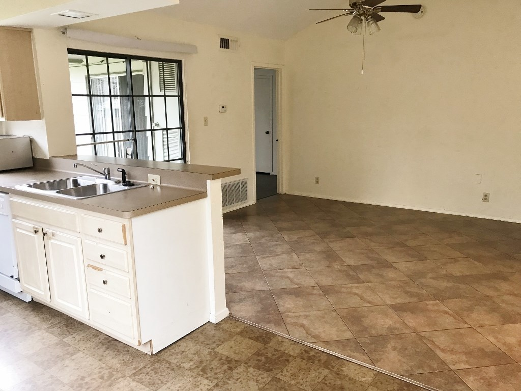 Leased | 5806 Emerald Forest Drive #A Austin, TX 78745 11