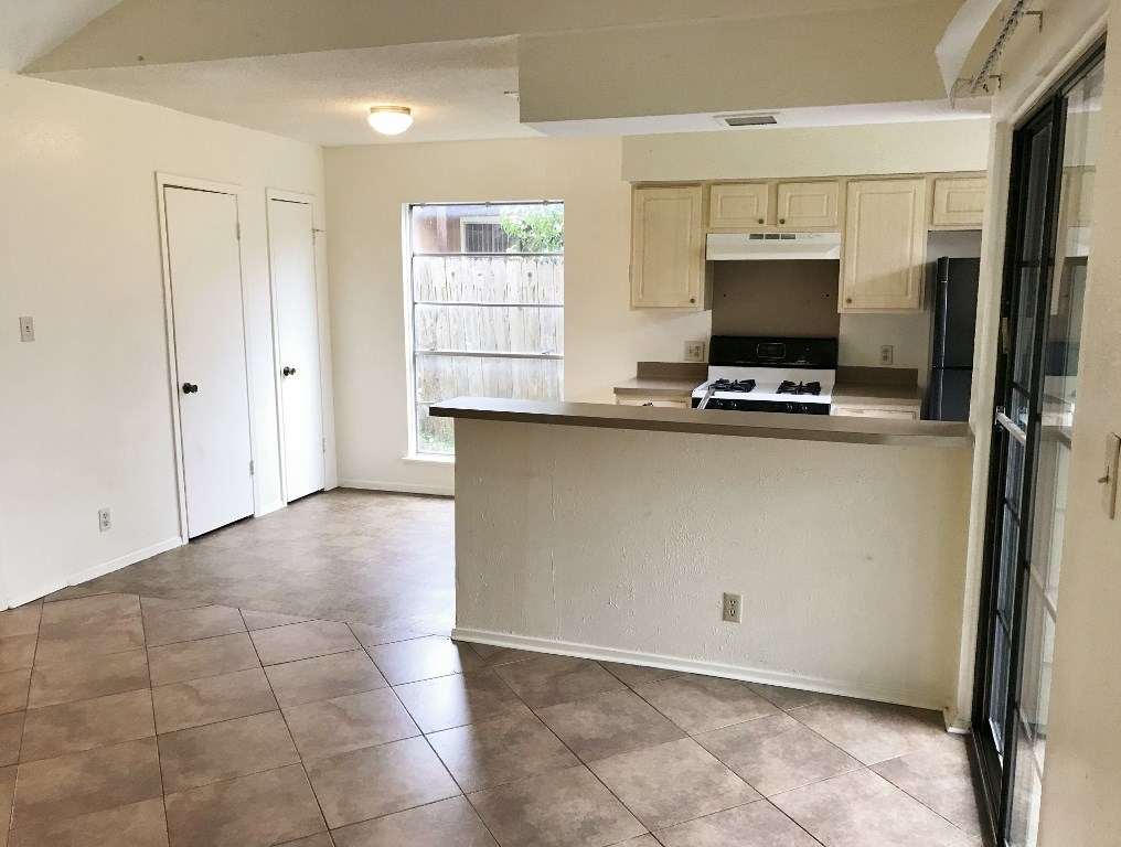 Leased | 5806 Emerald Forest Drive #A Austin, TX 78745 18