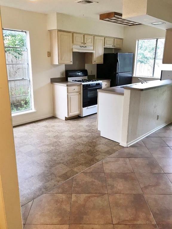 Leased | 5806 Emerald Forest Drive #A Austin, TX 78745 8