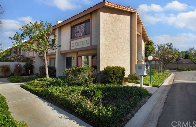 Closed | 1910 W Palmyra Avenue #100 Orange, CA 92868 16