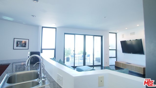 Active | 270 PALISADES BEACH Road #202 Santa Monica, CA 90402 12