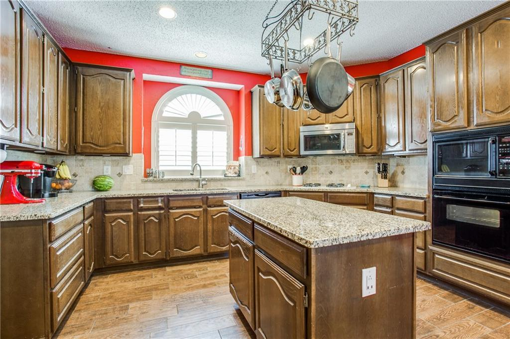 Housed Real Estate + Relocation  | 5505 Stonehenge  Drive Richardson, TX 75082 10