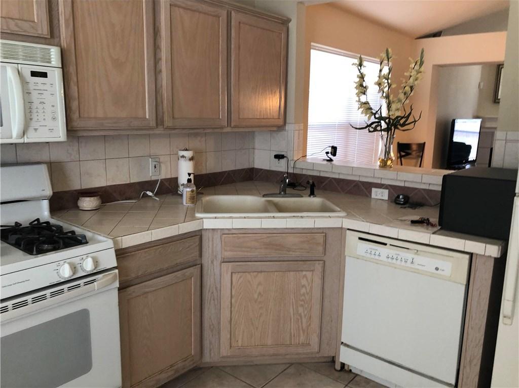 Sold Property   103 Shenandoah Trail Elgin, TX 78621 5