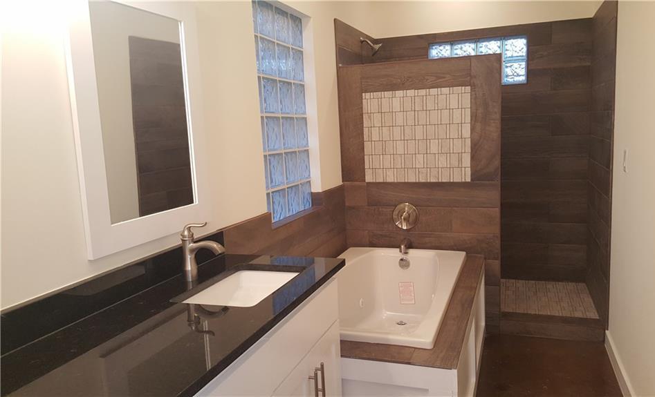 Sold Property | 323 Lamaloa Lane Bastrop, TX 78602 21