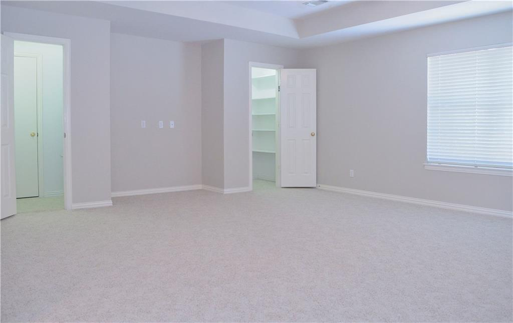 Housed Real Estate + Relocation  | 2122 Royal Dominion Court Arlington, Texas 76006 28