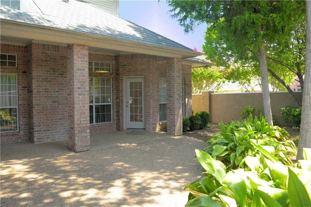 Housed Real Estate + Relocation  | 2122 Royal Dominion Court Arlington, Texas 76006 30