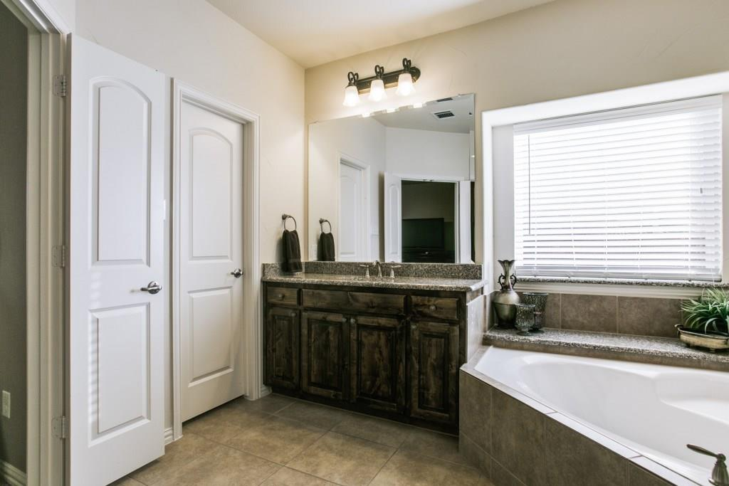 Housed Real Estate + Relocation  | 611 Paint Creek  Court Murphy, TX 75094 17