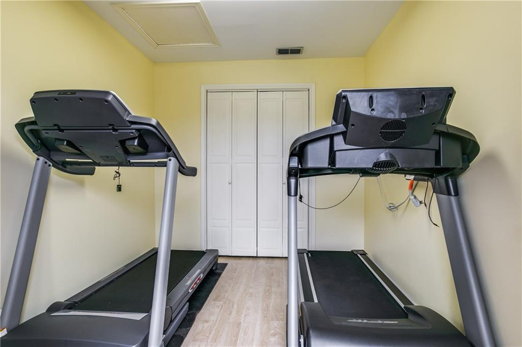 Housed Real Estate + Relocation  | 6009 Costera  Lane Dallas, TX 75248 21
