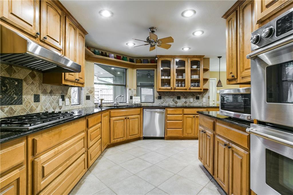Housed Real Estate + Relocation  | 6009 Costera  Lane Dallas, TX 75248 10