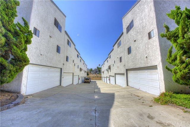 Closed | 1908 Grant Avenue #E Redondo Beach, CA 90278 1