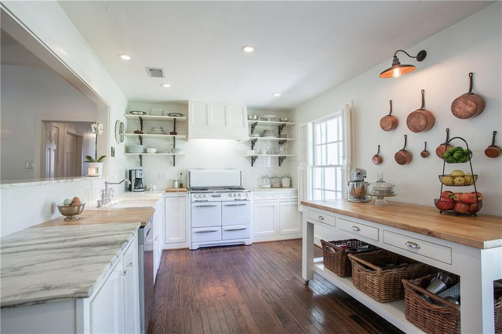 Housed Real Estate + Relocation  | 13224 Copenhill Road Dallas, Texas 75240 14