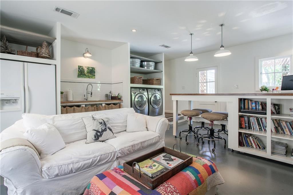 Housed Real Estate + Relocation  | 13224 Copenhill Road Dallas, Texas 75240 26