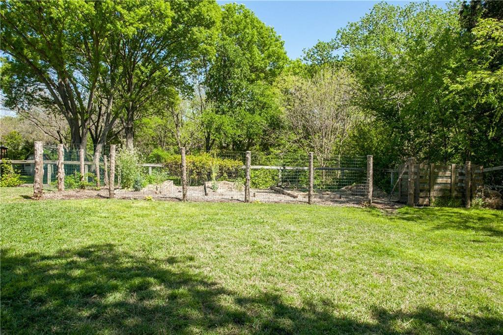 Housed Real Estate + Relocation  | 13224 Copenhill Road Dallas, Texas 75240 29
