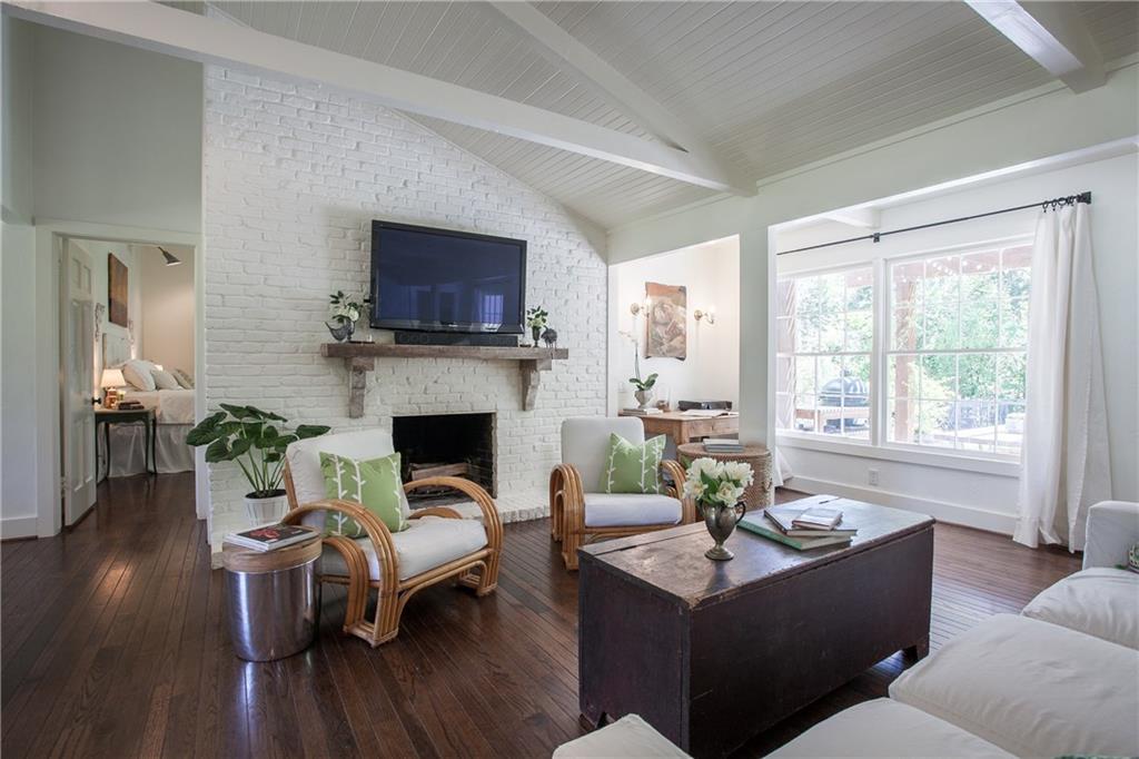 Housed Real Estate + Relocation  | 13224 Copenhill Road Dallas, Texas 75240 9