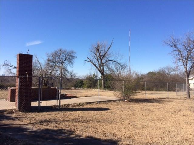 Sold Property | 2504 Oakland Boulevard Fort Worth, TX 76103 2