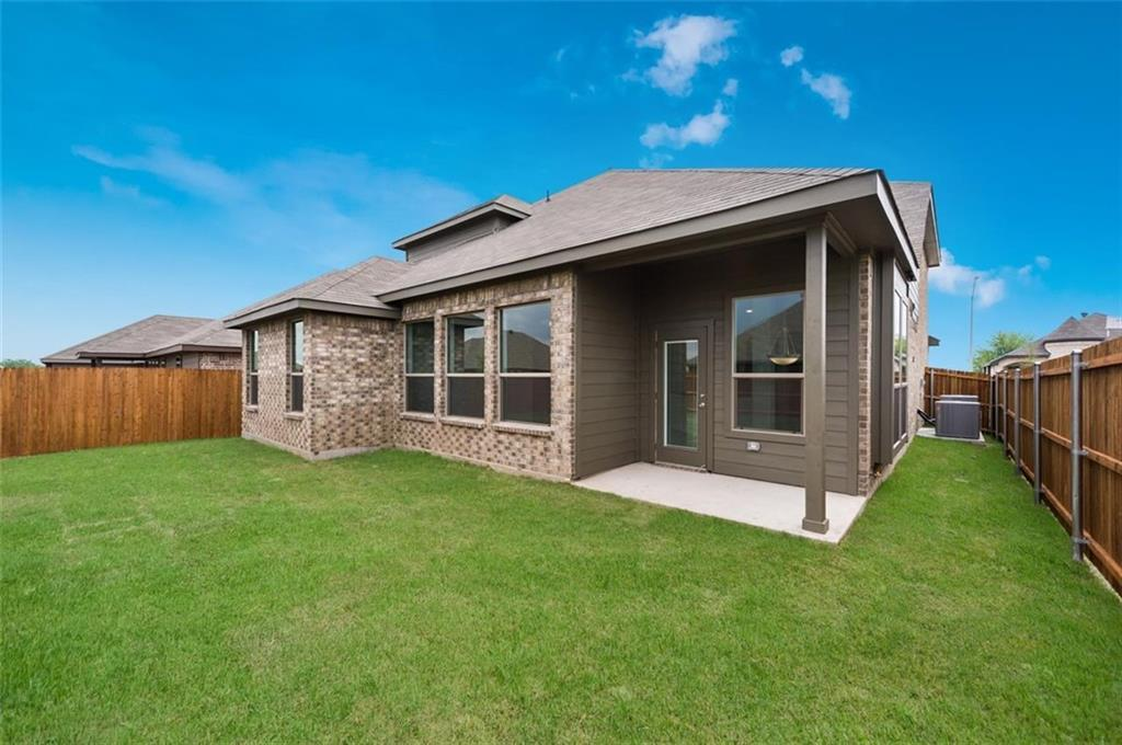 Active | 6333 Red Cliff Drive Fort Worth, TX 76179 25