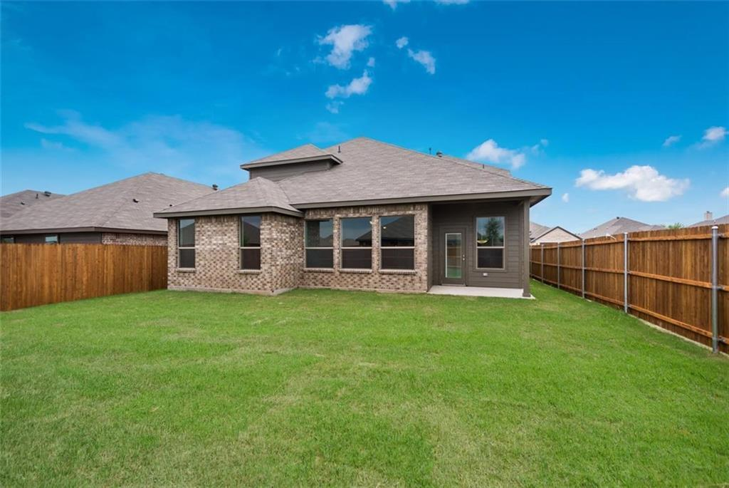 Active | 6333 Red Cliff Drive Fort Worth, TX 76179 26