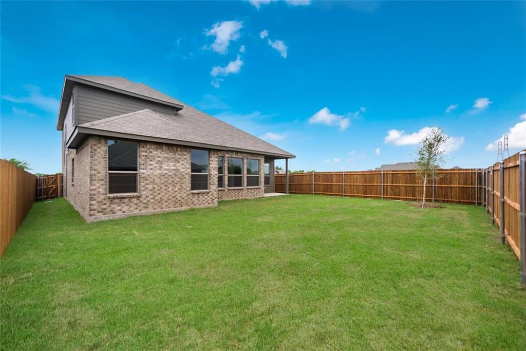 Active | 6333 Red Cliff Drive Fort Worth, TX 76179 27