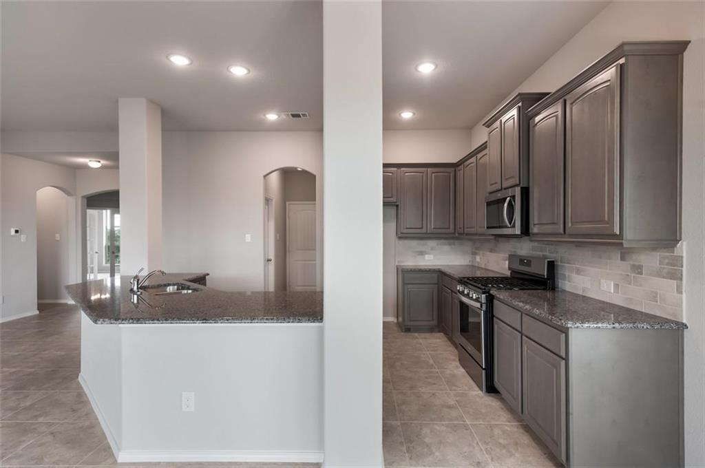 Active | 6333 Red Cliff Drive Fort Worth, TX 76179 7