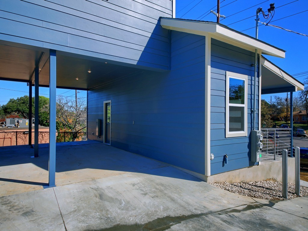 Sold Property | 1136 Chicon Street #A Austin, TX 78702 7