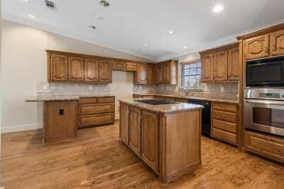 Sold Property | 13107 Copenhill Road Dallas, Texas 75240 5
