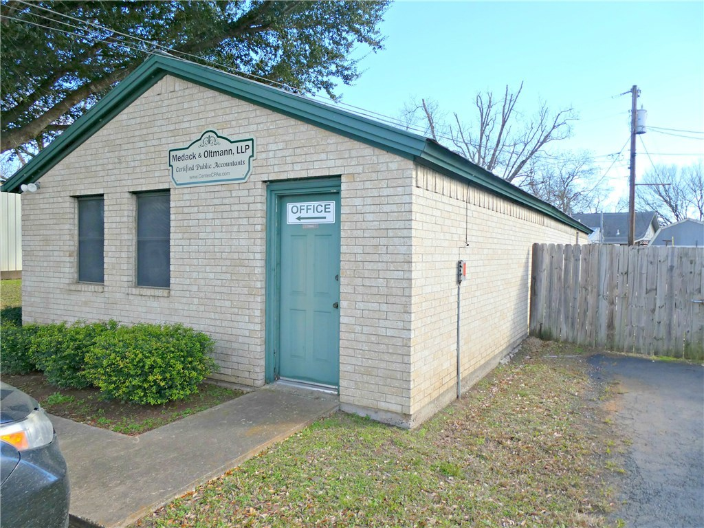Pending - Taking Backups | 115 Loop 150  Bastrop, TX 78602 1