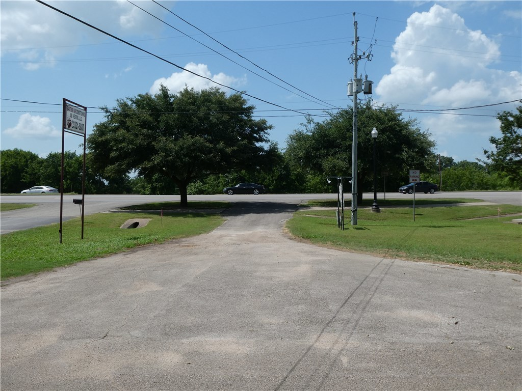 Pending - Taking Backups | 115 Loop 150  Bastrop, TX 78602 16
