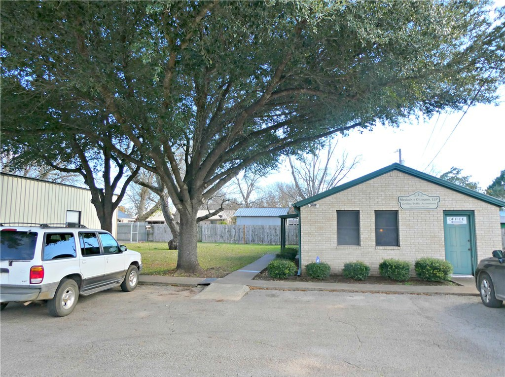 Pending - Taking Backups | 115 Loop 150  Bastrop, TX 78602 2