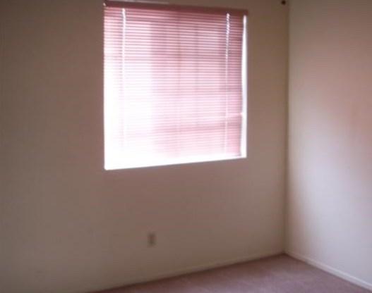 Closed   13637 DAIMLER Street Moreno Valley, CA 92553 10