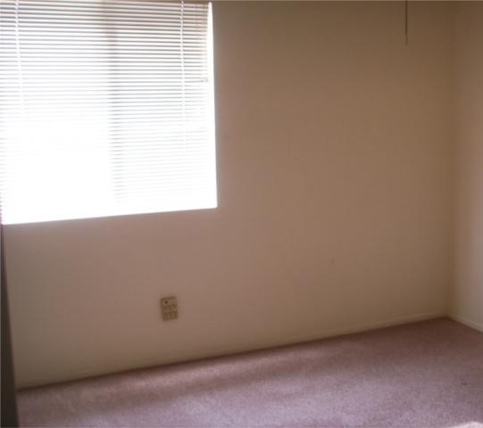 Closed   13637 DAIMLER Street Moreno Valley, CA 92553 11