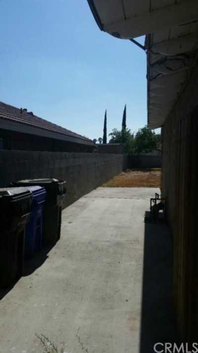 Closed | 7802 Maple Avenue Fontana, CA 92336 18