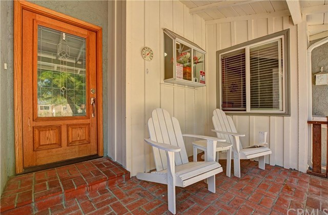 Closed | 17158 Enadia Way Van Nuys, CA 91406 1